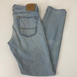 """Abercrombie & Fitch Skinny Light Washed 33"""" long"""